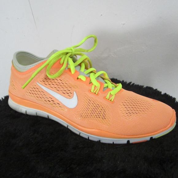 a60525329bdd Womens 10 Nike Free 5.0 TR Fitness Trainer Orange.  M 5a77133fdaa8f6efc32bce22